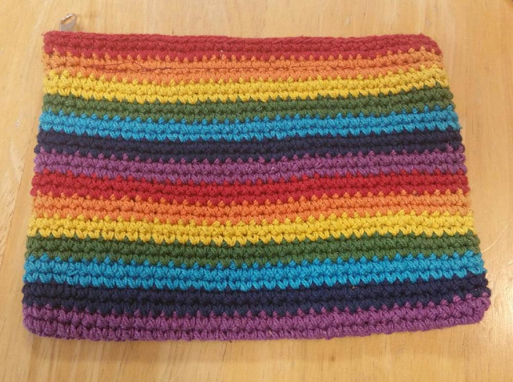 TB10 - Rainbow Crochet Coin Purse